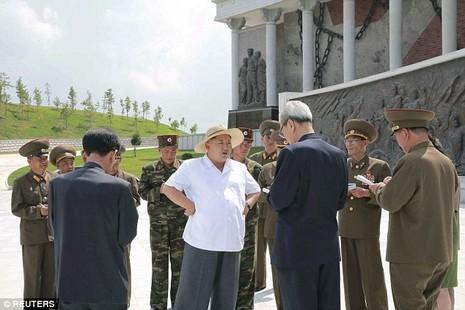 Triều Tiên kêu gọi đi làm lúc 5 giờ sáng vì … quá nóng - ảnh 1