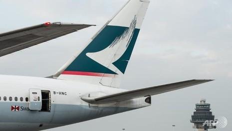 Máy bay hạ cánh khẩn, phát hiện khói trong khoang - ảnh 1