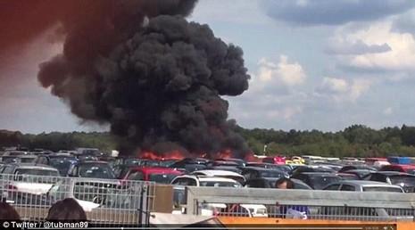 Máy bay cá nhân của gia đình Bin Laden rơi tại Anh - ảnh 2