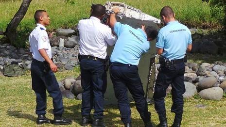 Người đàn ông kể lại khoảnh khắc phát hiện 'mảnh vỡ MH370' - ảnh 2