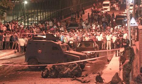 Lãnh sự quán Mỹ tại Istanbul bị tấn công - ảnh 1