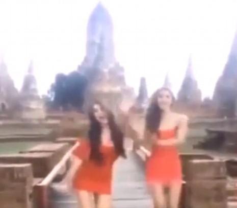 Nhảy gợi cảm trước đền thờ, 2 phụ nữ Thái bị kiện - ảnh 1