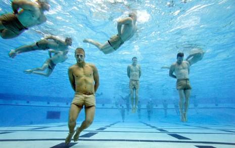 Biệt kích SEAL của Mỹ sắp có 'nữ chiến binh' - ảnh 2