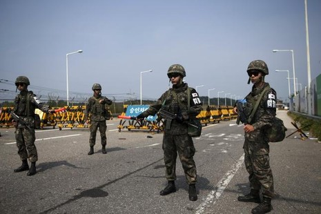 Hàn Quốc đàm phán với Triều Tiên dỡ bỏ trừng phạt - ảnh 2