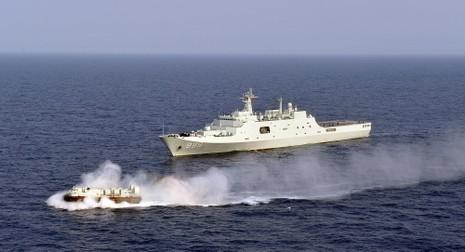 Tàu chiến Trung Quốc rời khỏi vùng biển ngoài khơi nước Mỹ - ảnh 1