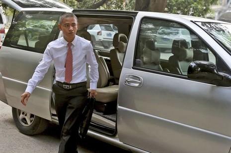 Nam diễn viên Trung Quốc y hệt tổng thống Obama - ảnh 2