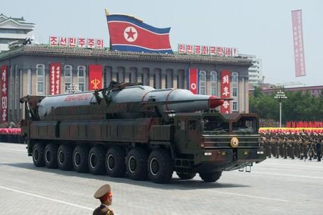 Triều Tiên  tuyên bố chỉ diễu binh, không phóng tên lửa - ảnh 1