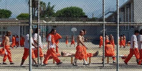 Mỹ chuẩn bị thả tự do 6.000 tù nhân - ảnh 1