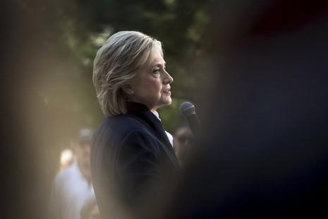 Bà Hillary Clinton bất ngờ lên tiếng phản đối TPP - ảnh 1