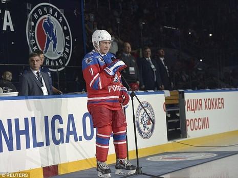 Putin mừng sinh nhật lần thứ 63 trên sân khúc côn cầu - ảnh 4