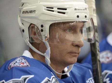 Putin mừng sinh nhật lần thứ 63 trên sân khúc côn cầu - ảnh 3