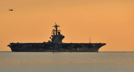 Lính hải quân Mỹ cùng vợ bán ma túy trên tàu sân bay - ảnh 1