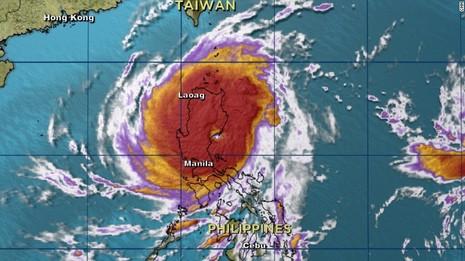Siêu vòi rồng Koppu đổ bộ vào Philippines - ảnh 1