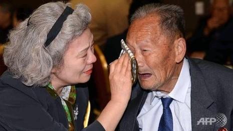 Người dân liên Triều chia tay trong nước mắt - ảnh 1