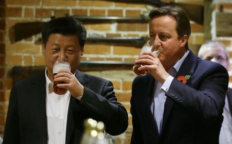 Ông Tập uống bia bàn chính sự với thủ tướng Anh - ảnh 3