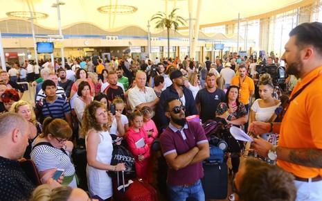 Nga quyết định hoãn các chuyến bay đến Ai Cập - ảnh 1