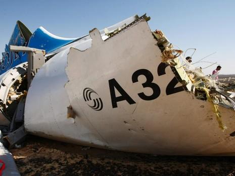 Nghi phạm liên quan vụ rơi máy bay Nga nói giọng Anh - ảnh 1