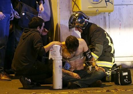Bão táp khủng bố ở Pháp: ' Gần 160 người chết, đóng cửa Paris!' - ảnh 4