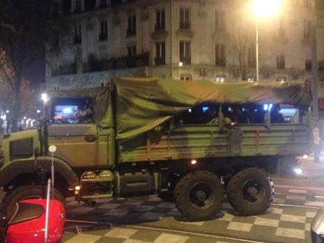 Kẻ chủ mưu vụ khủng bố Paris bị bố ráp tại St. Denis - ảnh 2