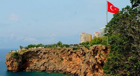Nga đang 'giết chết' thành phố du lịch Thổ Nhĩ Kỳ - ảnh 1