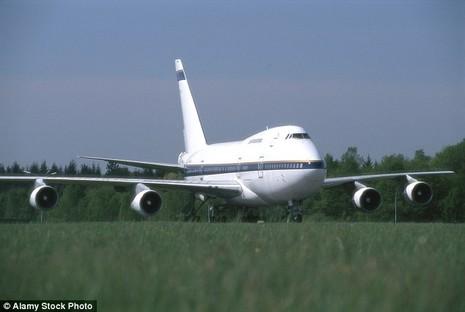Tìm chủ nhân ba máy bay 'bỏ hoang' hơn một năm tại sân bay - ảnh 2