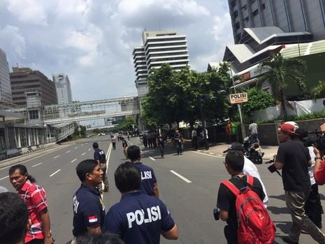 Cuộc tấn công khủng bố tại Indonesia đã kết thúc - ảnh 10