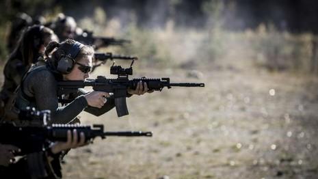 Na Uy huấn luyện đội đặc nhiệm 'toàn nữ' đầu tiên trên thế giới - ảnh 4