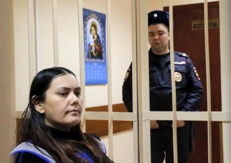 Nữ bảo mẫu Nga chặt đầu bé gái để trả thù ông Putin - ảnh 1