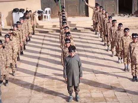 Hơn 31.000 thai phụ kẹt lại trong lãnh địa IS - ảnh 1