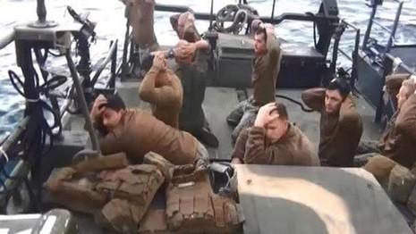 Iran xây tượng bắt giữ thủy thủ Mỹ, 'chọc tức' Washington - ảnh 1