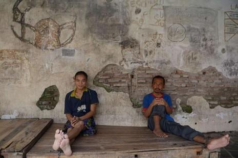 Gần 19.000 bệnh nhân tâm thần bị xiềng xích ở Indonesia - ảnh 3
