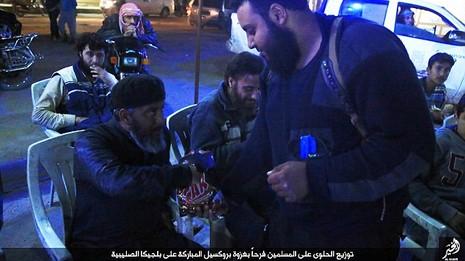 IS tổ chức ăn mừng sau cuộc khủng bố đẫm máu tại Bỉ - ảnh 3