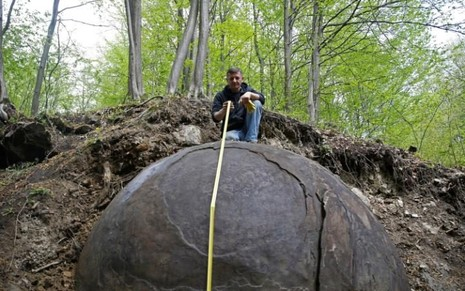 Phát hiện quả cầu sắt khổng lồ của nền văn minh thất lạc? - ảnh 2