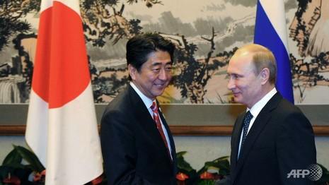 Thủ tướng Nhật sẽ đến Nga bàn về tranh chấp lãnh thổ - ảnh 1