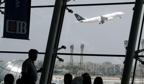 Nóng: Máy bay Ai Cập chở 69 người mất tích  - ảnh 1