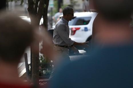 Ông Obama 'hẹn hò' cùng vợ ở nhà hàng Mexico sau khi về nước - ảnh 2