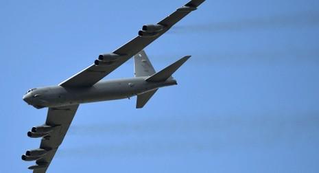 Mỹ điều 'pháo đài bay' B-52 đến châu Âu tập trận - ảnh 1