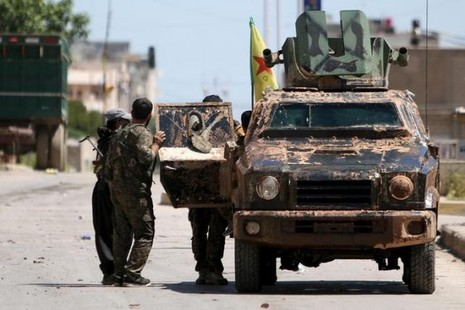 Lực lượng IS lâm vào thế khó, 'lưỡng bề thọ địch' - ảnh 2