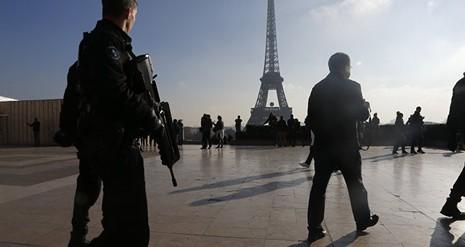 Trước Euro, Pháp ra mắt ứng dụng điện thoại chống khủng bố - ảnh 1