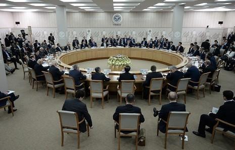 Nga, Trung kêu gọi chống 'ba thế lực ác quỷ' trên thế giới - ảnh 1