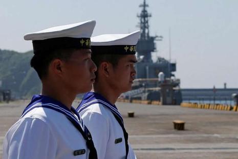 Các chiến sĩ hải quân Đài Loan ở Căn cứ hải quân Suao ngày 4-6