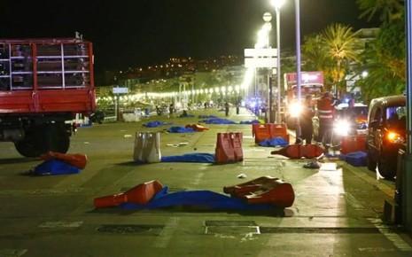 Hiện trường nơi xảy ra vụ tấn công tại TP Nice.