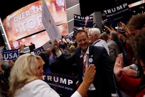 Donald Trump giành chiến thắng