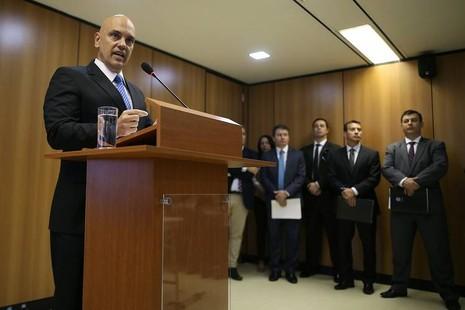 """Bộ trưởng Tư pháp Brazil Alexandre de Moraes, nhóm bị bắt giữ """"hoàn toàn nghiệp dư"""" và """"không có tổ chức"""""""