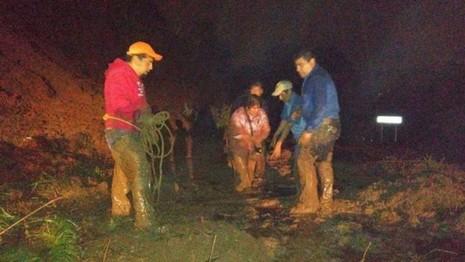 Nhóm cứu hộ hiện đã có mặtở TP Huauchinango, bang Puebla. Ảnh: BBC