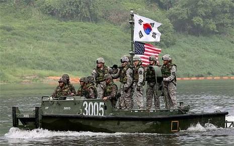 Triều Tiên giận dữ đòi 'tấn công hạt nhân phủ đầu' Mỹ - Hàn
