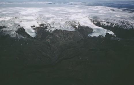 Siêu núi lửa lớn nhất Iceland sắp 'nổi cơn thịnh nộ'?