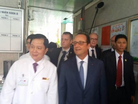 Tổng thống Pháp đến thăm Viện Tim TP.HCM - ảnh 2