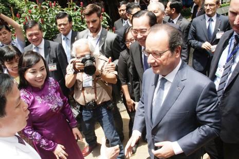 Tổng thống Pháp đến thăm Viện Tim TP.HCM - ảnh 3