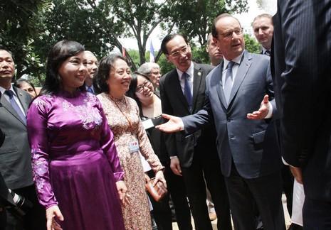 Tổng thống Pháp đến thăm Viện Tim TP.HCM - ảnh 4